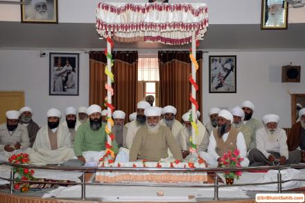 Sri Satguru Ji blessing Sri Jiwan Nagar Sadh Sangat on 25, 26 January 2016