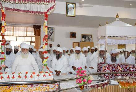 Sri Satguru Ji blessing Sri Jiwan nagar sadh sangat on 2nd September 2015