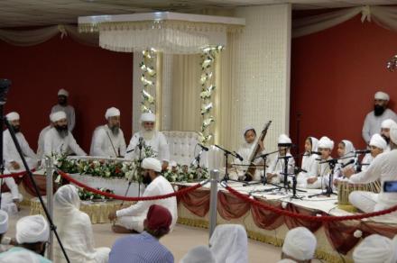 Satguru ji blessing the UK Sadh Sangat - 27 August 2016.