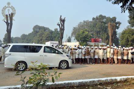 Darshan Sri Satguru Ji @ Havan Mandap, Sri Bhaini Sahib