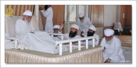 Sri Satguru Ji (17-aug-2011)