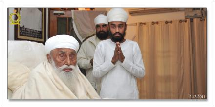 Sri Satguru Ji (2-dec-2011)