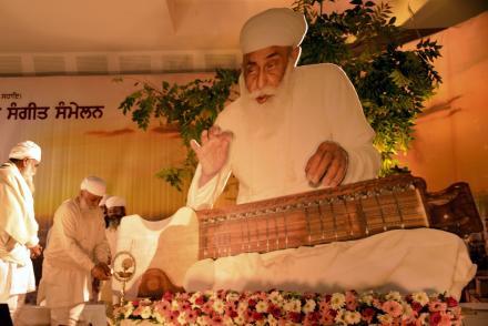 Sri Satguru Jagjit Singh Ji Sangeet Sanmelan 11-01-2014