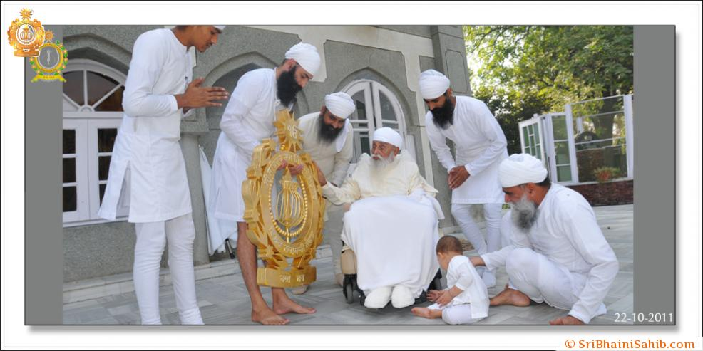 Sri Satguru Ji (22-oct-2011)