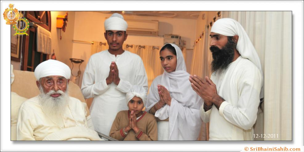 Sri Satguru Ji (12-dec-2011)